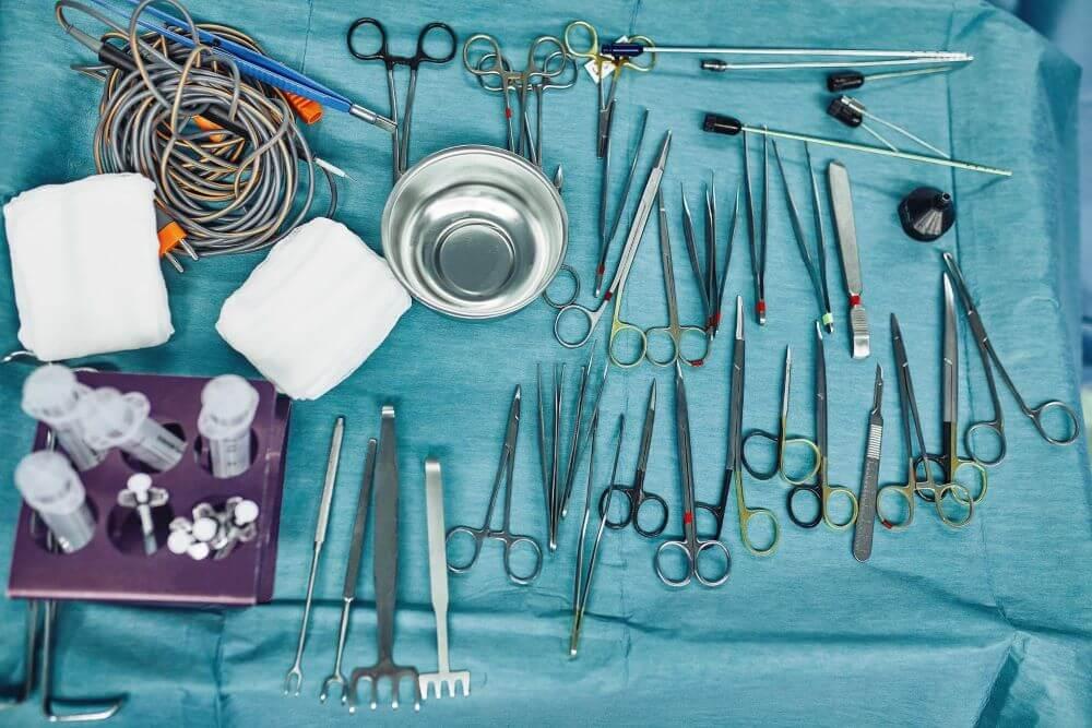 como montar mesa cirurgica qual a ordem dos instrumentos