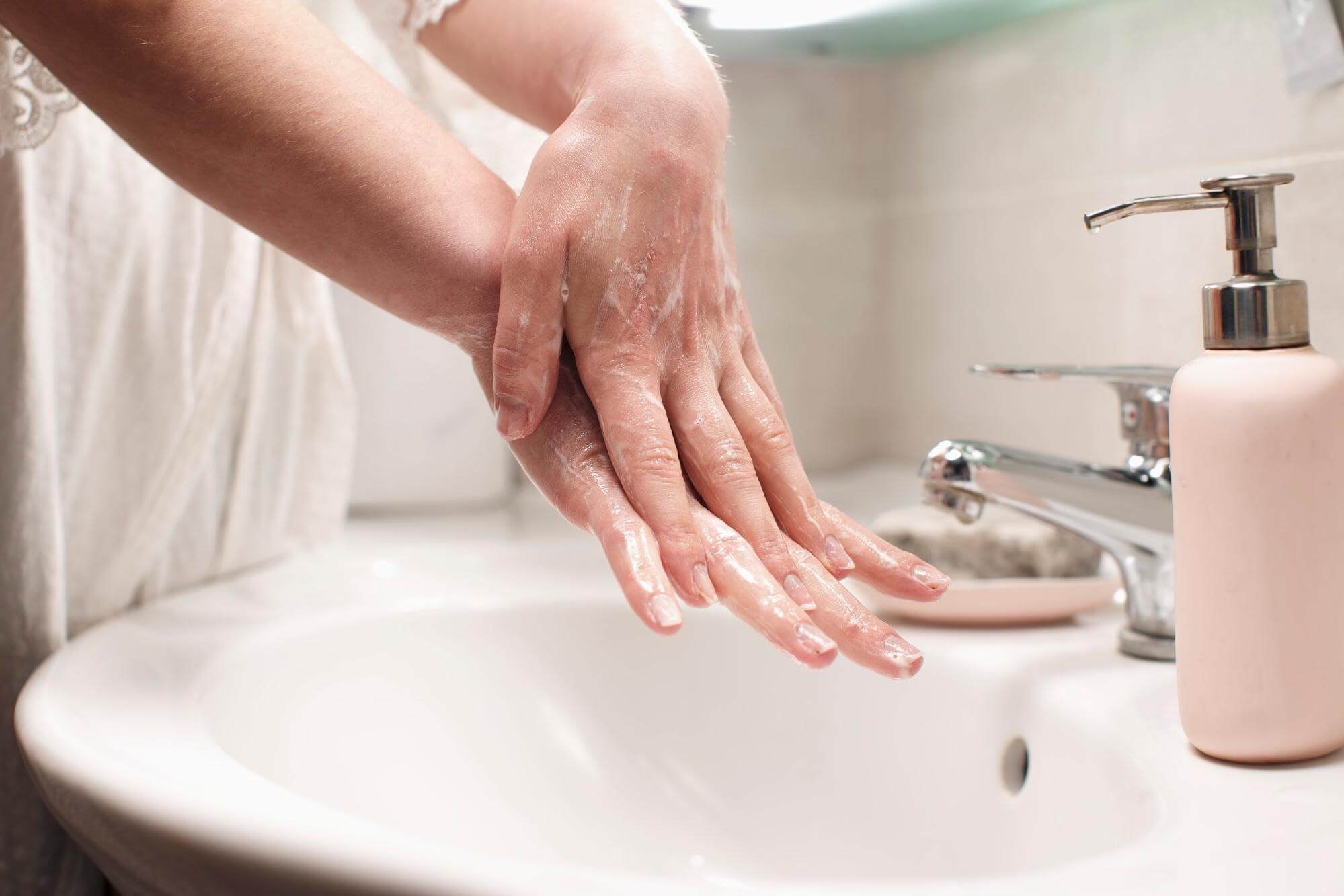 higienizacao das maos lavar diferenca
