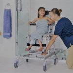 modelos cadeira banho tipos para pacientes diferentes