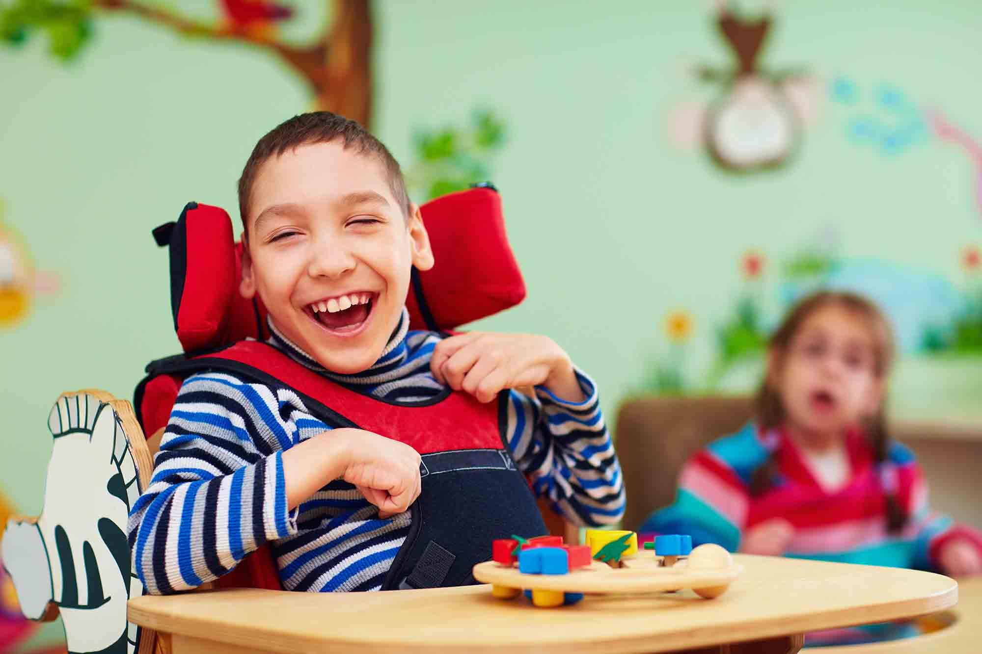 benefícios de uma cadeira de rodas motorizada