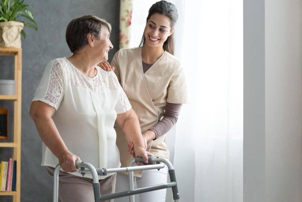 cuidados com idosos zele pela seguranca