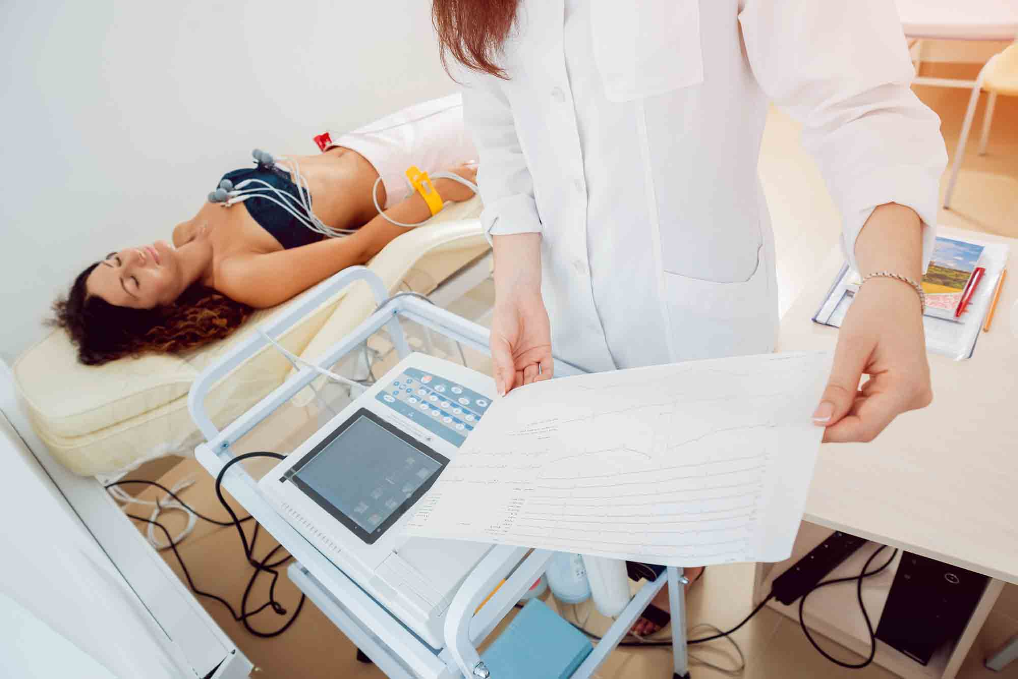 O que é o exame de eletrocardiograma?