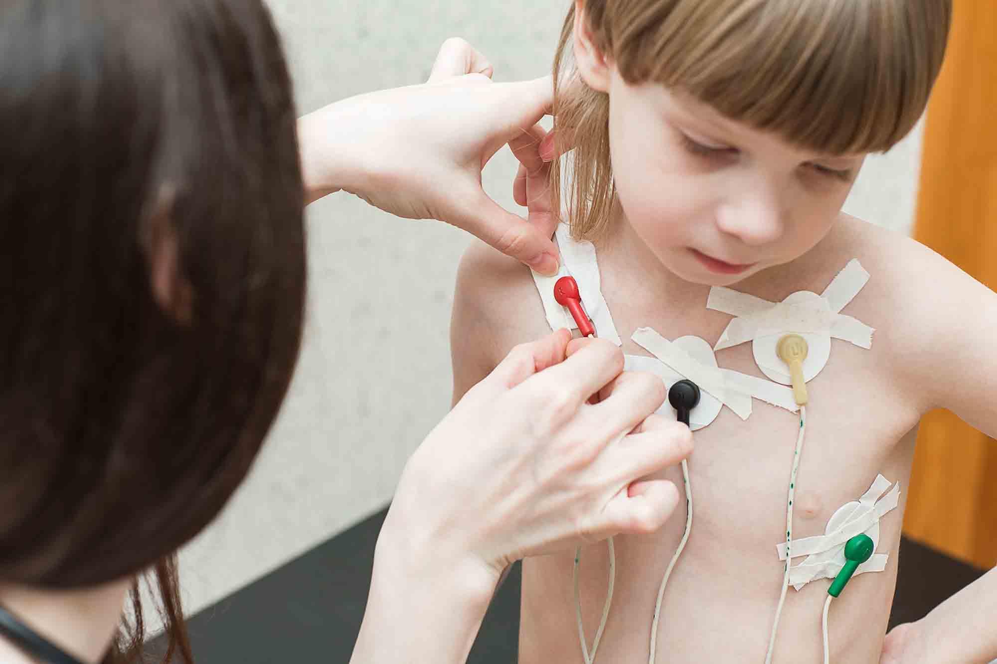valores normais para ECG infantil