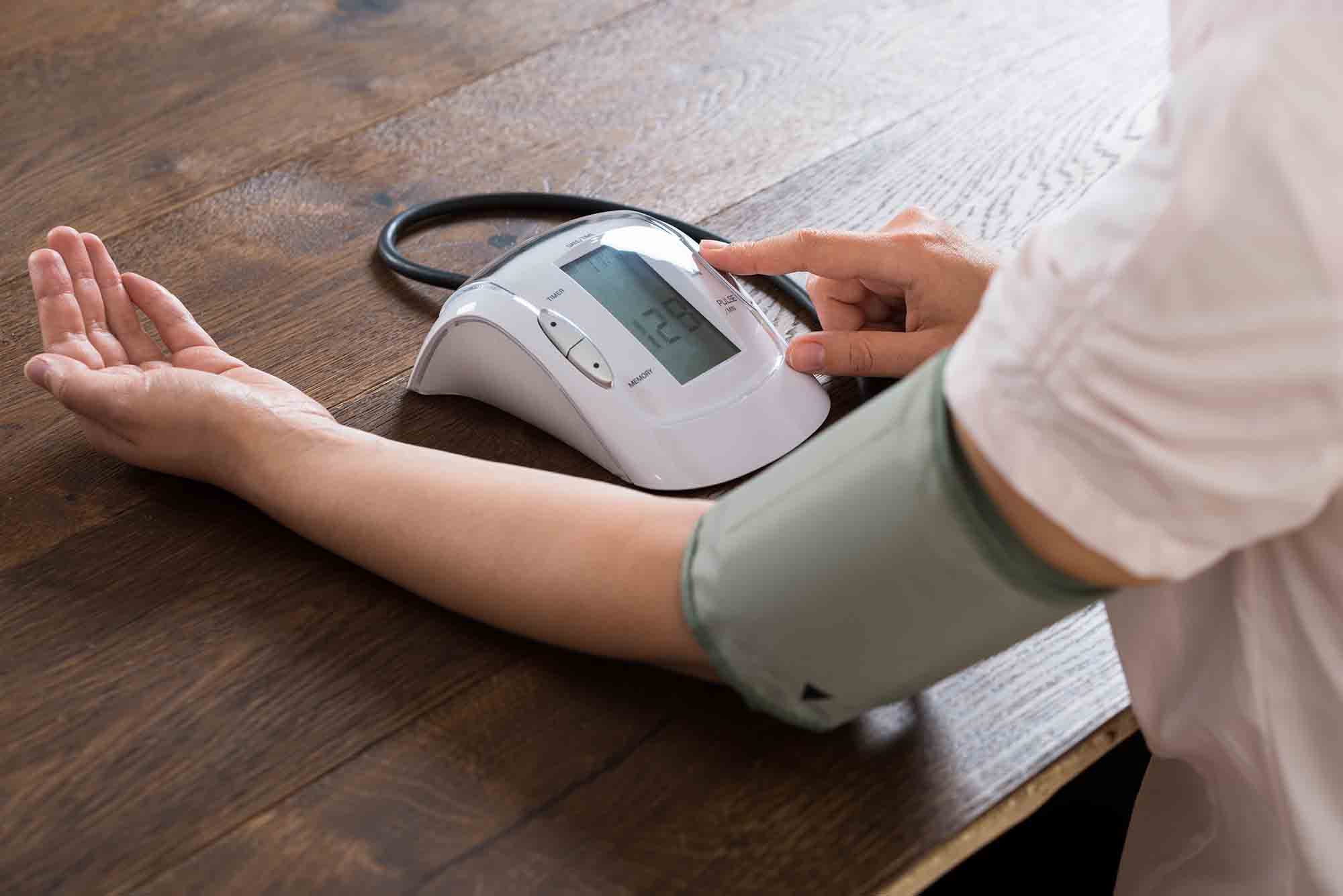 tipos aparelho pressao arterial digital