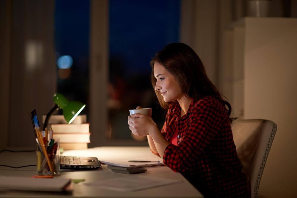 higiene do sono evite alimentos estimulantes