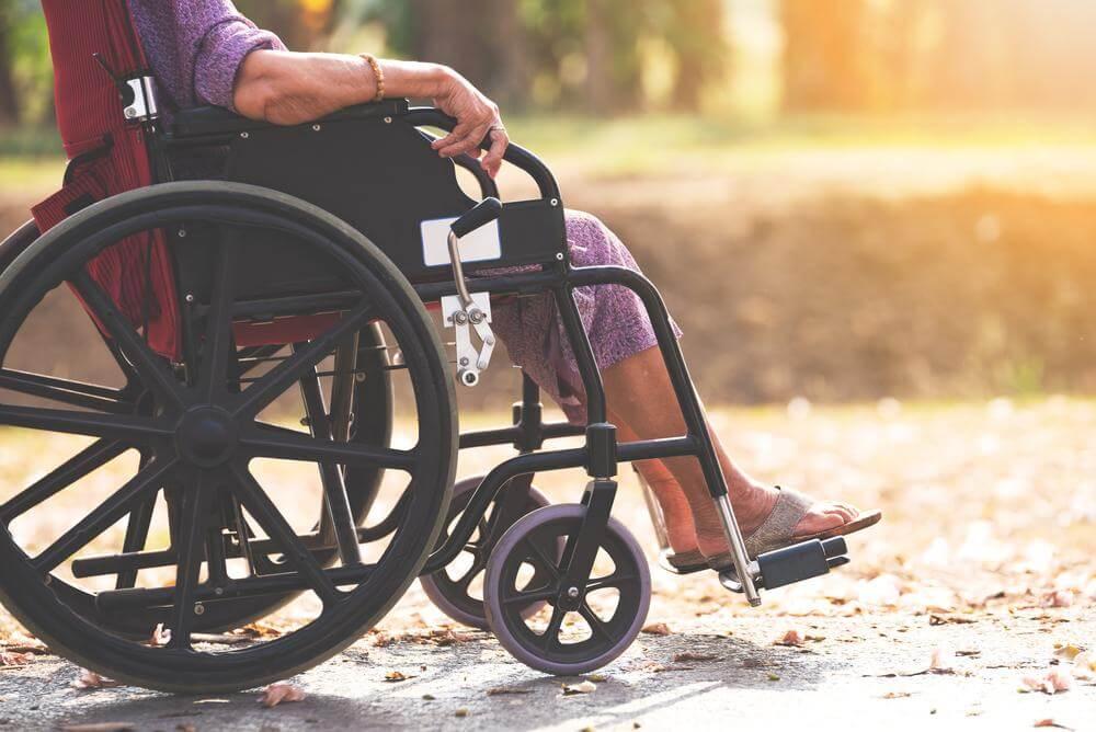 melhor poltrona para idosos qual cadeira de rodas ideal